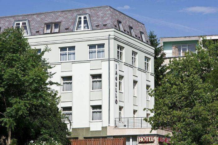 Jagello Hotel, Budaors, Hungary, hotels and rooms with views in Budaors