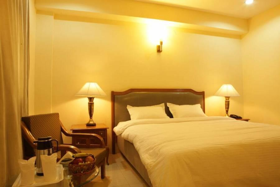 Angel Residency, Delhi Cantonment, India, Hoteles con bares y restaurantes en la azotea en Delhi Cantonment