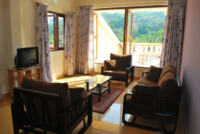 Bougainvillea Guest House, Candolim, India, hotel bookings for special events in Candolim