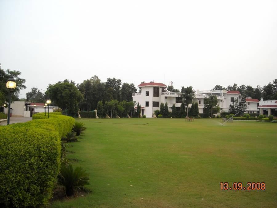 Clark Greens - An Airport Hotel, New Delhi, India, vacation rentals, homes, experiences & places in New Delhi