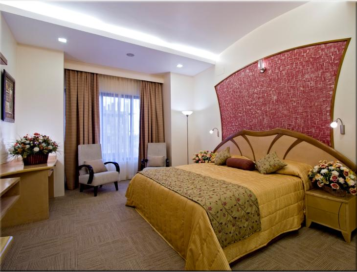 Clarks Exotica Airport Hotel, Bengaluru, India, how to select a hotel and where to eat in Bengaluru