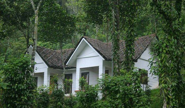 Cardamom Club - Search for free rooms and guaranteed low rates in Thekkady 5 photos