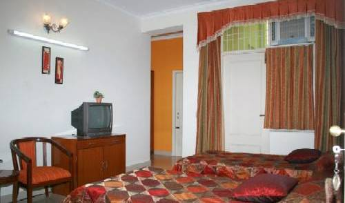 Garden Villa Homestay - Search available rooms for hotel and hostel reservations in Agra, holiday reservations 3 photos