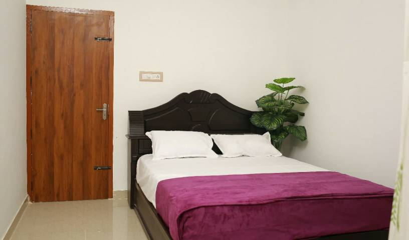 Gems Apartment Hotel and Homestay - Get low hotel rates and check availability in Irinjalakuda 7 photos