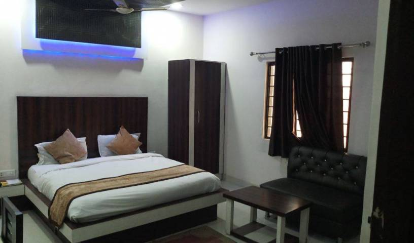 Hotel Gayatri Residency - Search available rooms for hotel and hostel reservations in Agra 11 photos