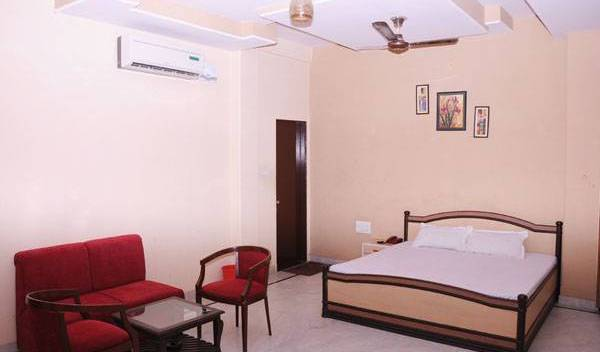 Hotel Mansarovar Palace - Search available rooms for hotel and hostel reservations in Jaipur 33 photos