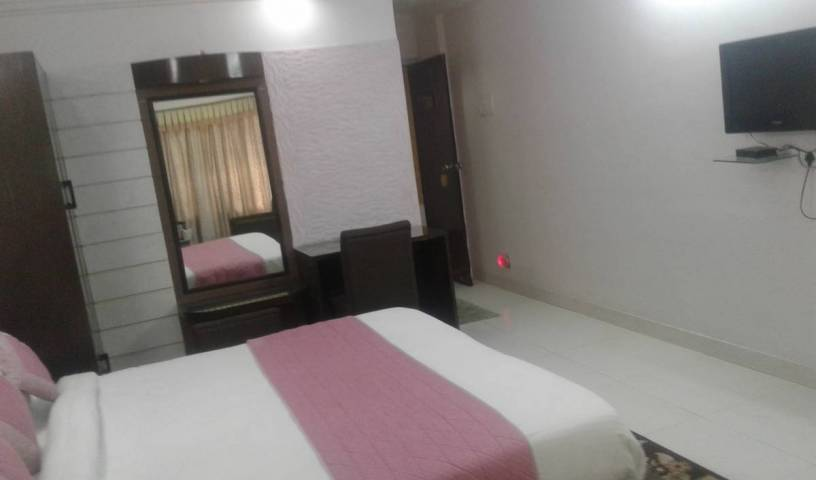 Hotel Mayfair Inn - Get low hotel rates and check availability in Kanpur 16 photos