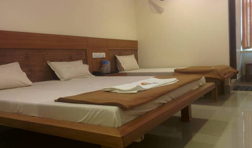 Hotel New White House Lodging - Get low hotel rates and check availability in Hyderabad 11 photos