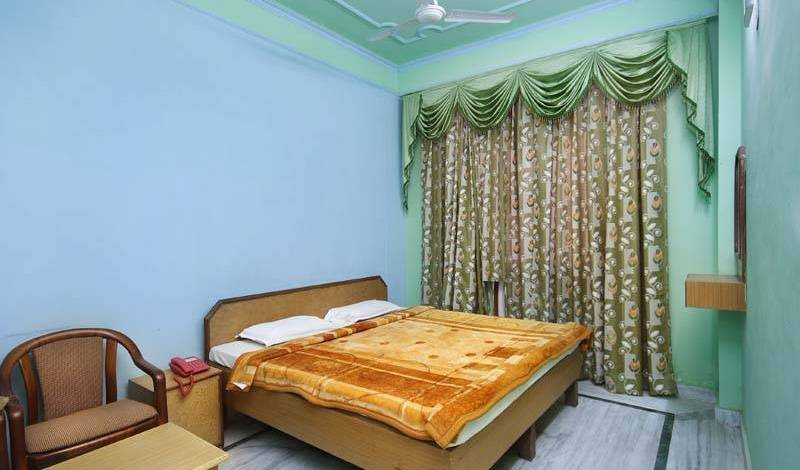 Hotel Raj Bed and Breakfast - Search available rooms for hotel and hostel reservations in Agra 3 photos