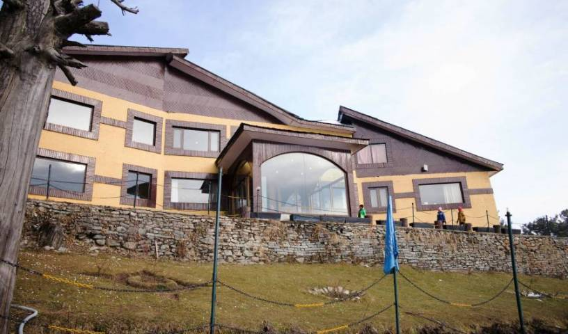 Hotel Royal Park - Get low hotel rates and check availability in Gulmarg, alternative booking site, compare prices then book with confidence 10 photos
