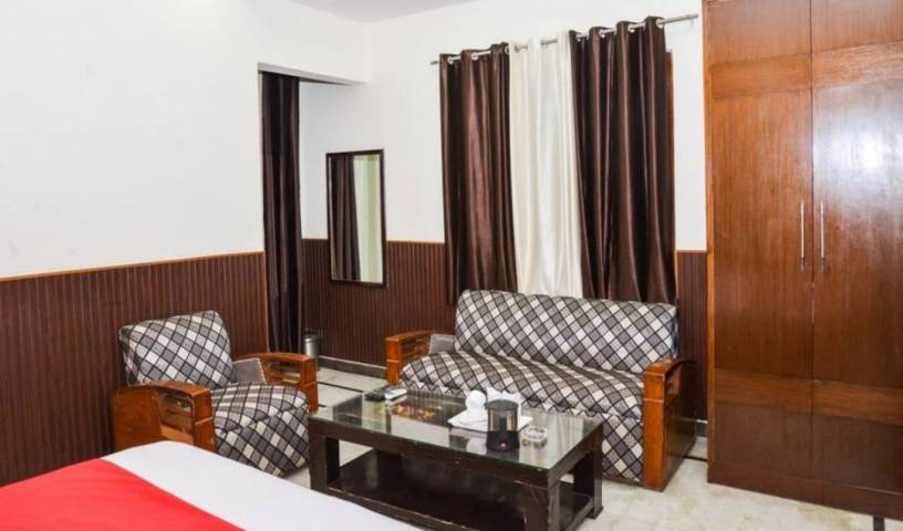 Jindal Palace - Get low hotel rates and check availability in New Delhi 22 photos