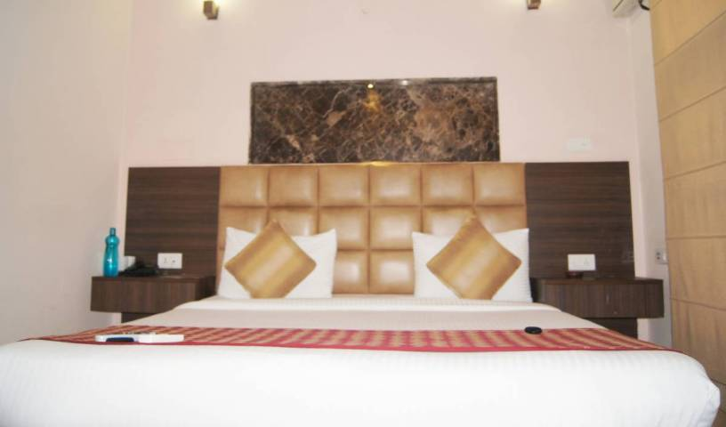 Moon Hospitality - Get low hotel rates and check availability in Gurgaon 1 photo