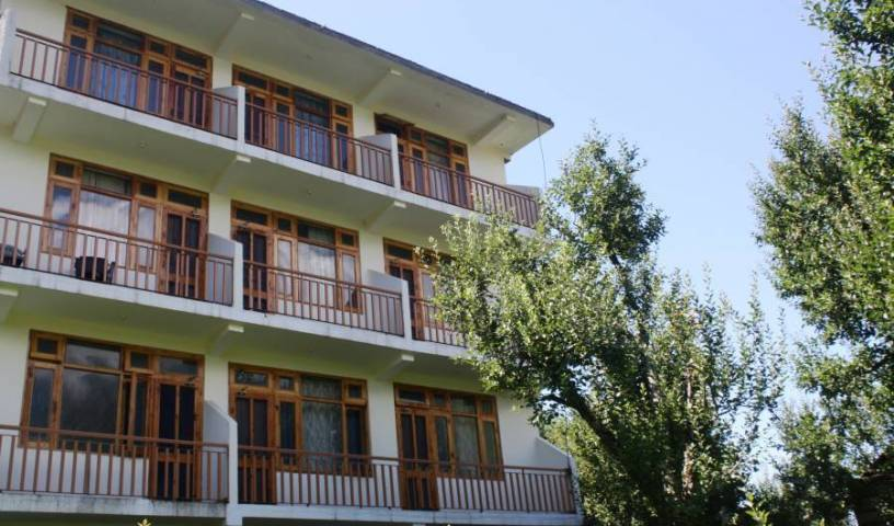 Sarthak Guest House - Search for free rooms and guaranteed low rates in Manali 6 photos