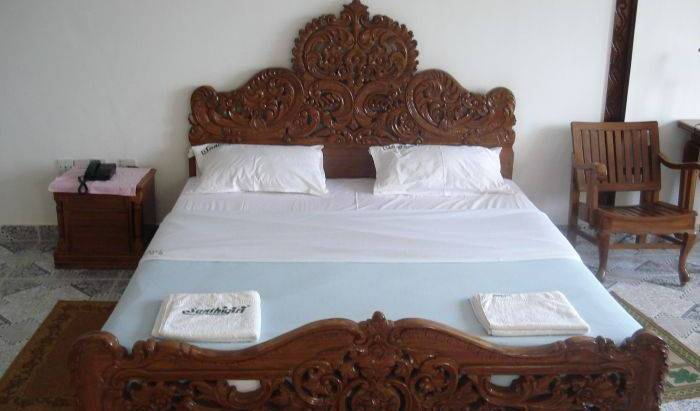 Shirleys Beach - Get low hotel rates and check availability in Thiruvananthapuram 5 photos