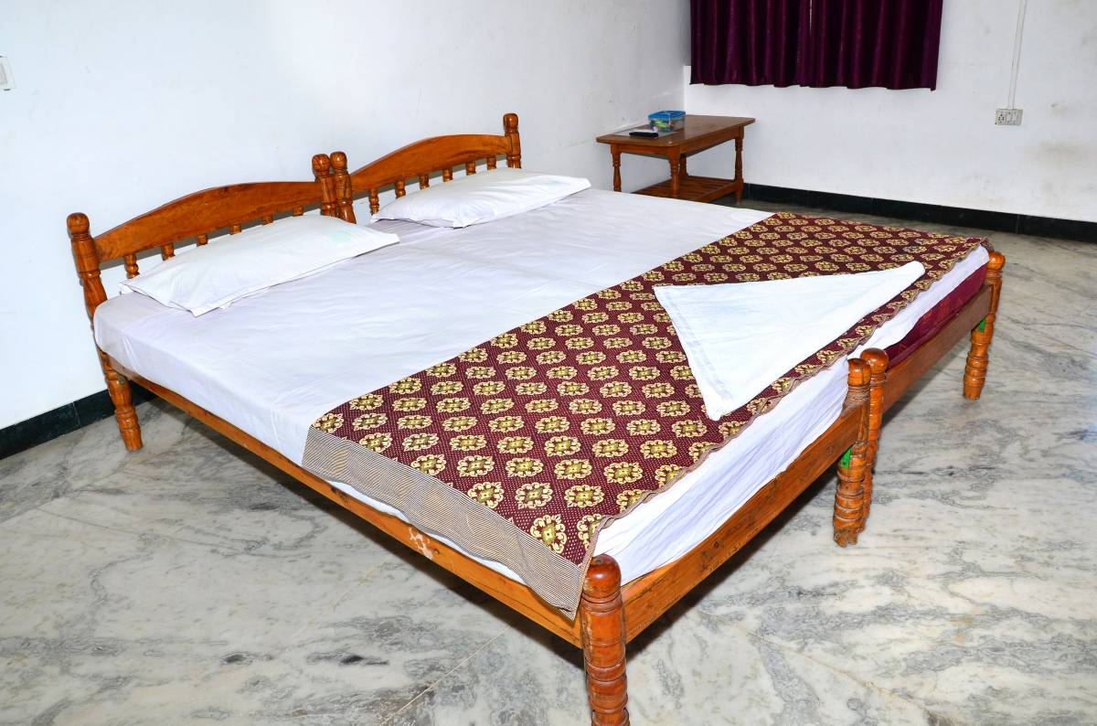 Hogenakkal Falls Cauvery Guest House, Dharmapuri, India, hotels near historic landmarks and monuments in Dharmapuri