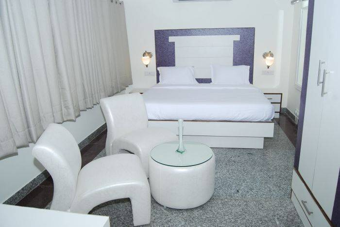 Hotel Absolute Comfort, Chandigarh, India, find hotels with restaurants and breakfast in Chandigarh