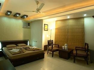 Hotel Balaji Deluxe, New Delhi, India, youth hostel and backpackers hostel world accommodations in New Delhi