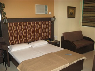Hotel Highway Residence, Breach Candy, Mumbai, India, India hotels and hostels