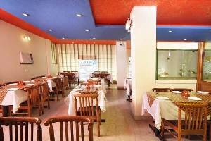 Hotel Mandakini Villas, Agra, India, save on hotels with Instant World Booking in Agra