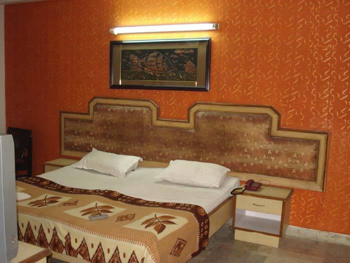 Hotel Pal Regency, New Delhi, India, travel locations with hotels and hostels in New Delhi