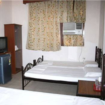 Hotel Pearl Plaza, New Delhi, India, India hotels and hostels
