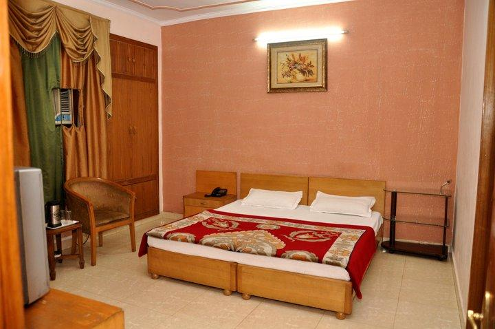 Hotel Pitrashish Grand, New Delhi, India, great holiday travel deals in New Delhi