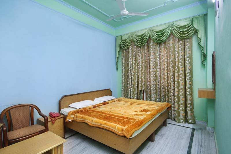 Hotel Raj Bed and Breakfast, Agra, India, India hotels and hostels
