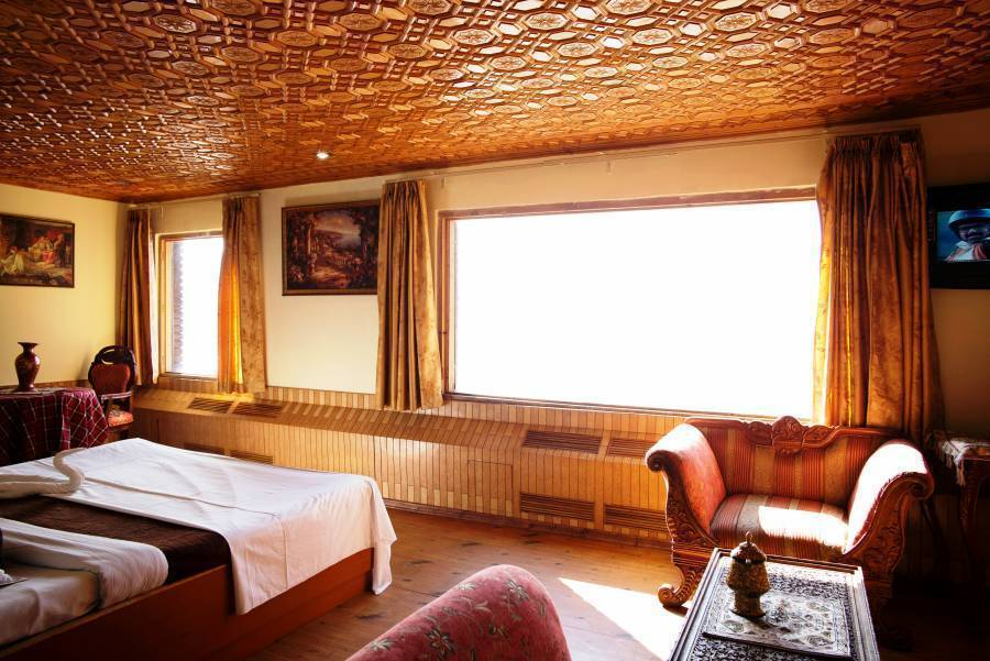 Hotel Royal Park, Gulmarg, India, preferred site for booking holidays in Gulmarg