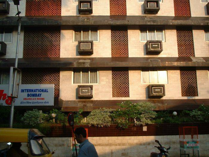 Hotel Singhs International, Mumbai, India, how to rent an apartment or aparthotel in Mumbai