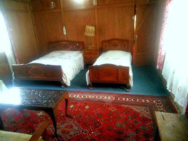 House Boat Snow Goose, Srinagar, India, what is there to do?  Ask and book with us in Srinagar