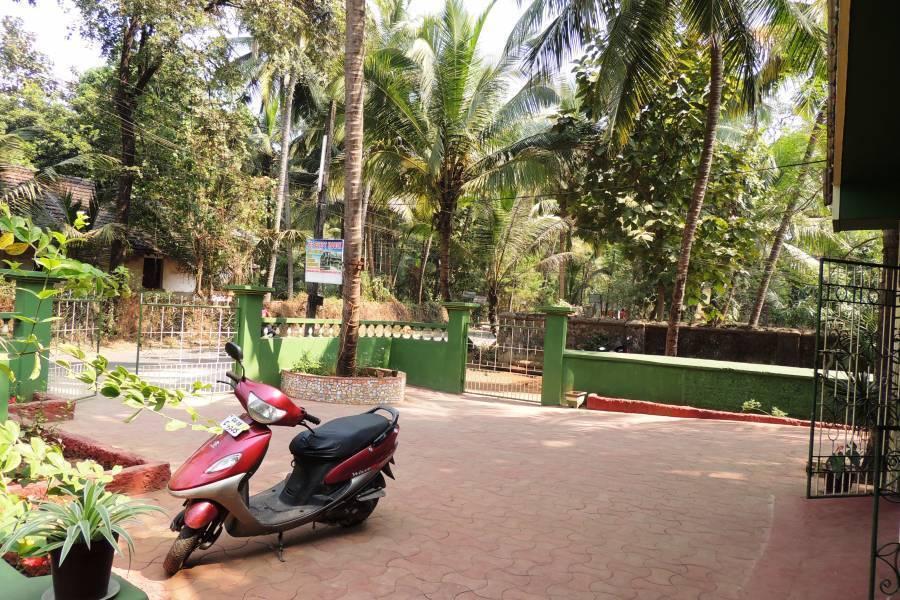 Jes Guest House, Utorda, India, savings on hotels in Utorda