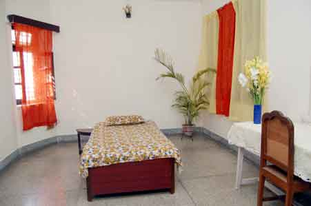 Redline Service Apartment, Benares, India, alternative booking site, compare prices then book with confidence in Benares