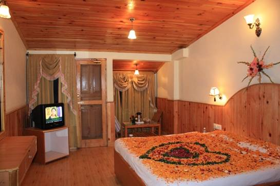 Sarthak Resorts, Manali, India, hotels near pilgrimage churches, cathedrals, and monasteries in Manali