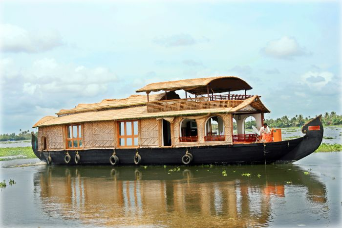 Sreekrishna Houseboat, Alleppey, India, holiday vacations, book a hotel in Alleppey