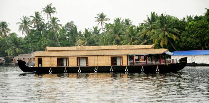 Vaishnav Houseboat, Alleppey, India, India hotels and hostels