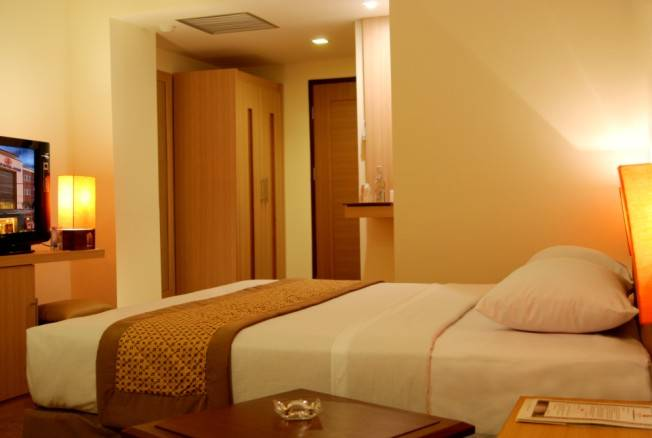 Abadi Hotel, Yogyakarta, Indonesia, read reviews, compare prices, and book hotels in Yogyakarta