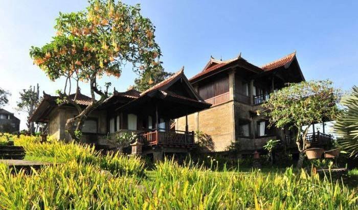 Anaheim Villa Lake Buyan - Get low hotel rates and check availability in Singaraja, holiday reservations 12 photos
