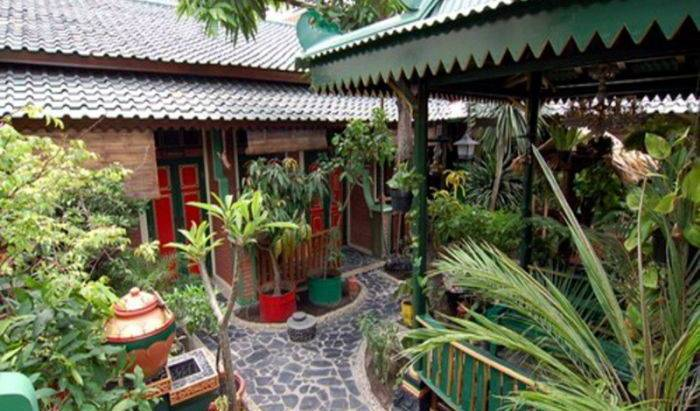 Kampoeng Djawa Hotel - Search for free rooms and guaranteed low rates in Yogyakarta, famous holiday locations and destinations with hostels 18 photos
