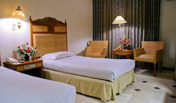 Kusuma Sahid Prince Hotel Solo - Search for free rooms and guaranteed low rates in Solotiang 6 photos