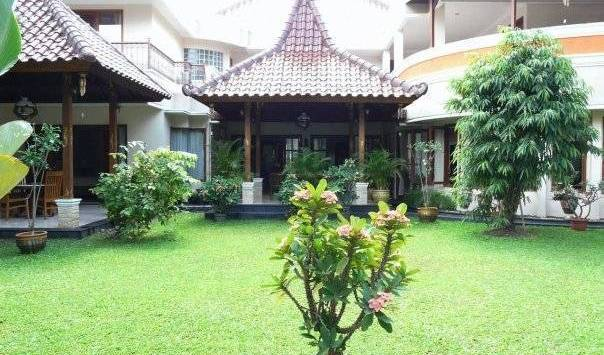 Narwastu Guest House - Get low hotel rates and check availability in Jakarta 15 photos