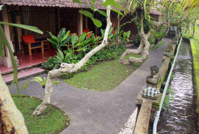 Jati Home Stay, Ubud, Indonesia, compare with the world's largest travel websites in Ubud
