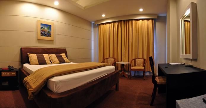 Peninsula Hotel Jakarta, Jakarta, Indonesia, Indonesia hostels and hotels