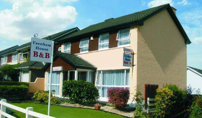 Farnham House Bed and Breakfast - Get low hotel rates and check availability in Cloverhill 3 photos