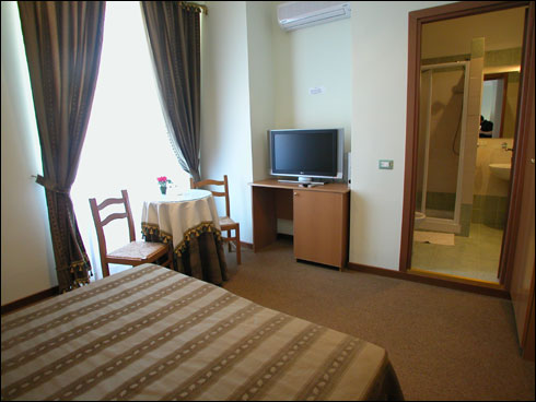 Accommodation Delia Bed and Breakfast, Rome, Italy, safest places to visit and safe hotels in Rome