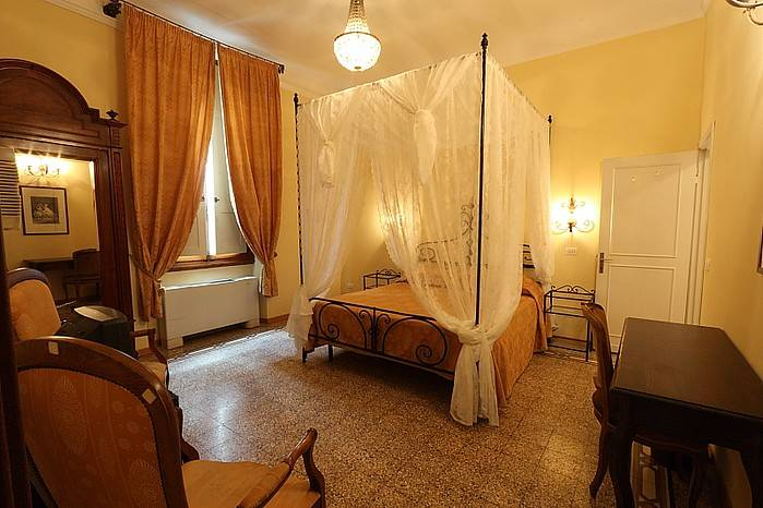 Affittacamere Tourist House Liberty, Florence, Italy, Italy hotels and hostels