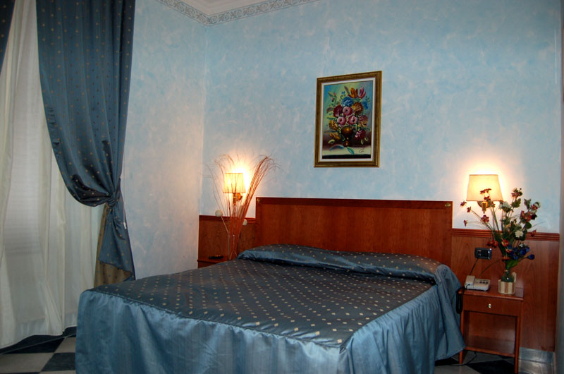 Annalisa House, Rome, Italy, affordable apartments and aparthotels in Rome
