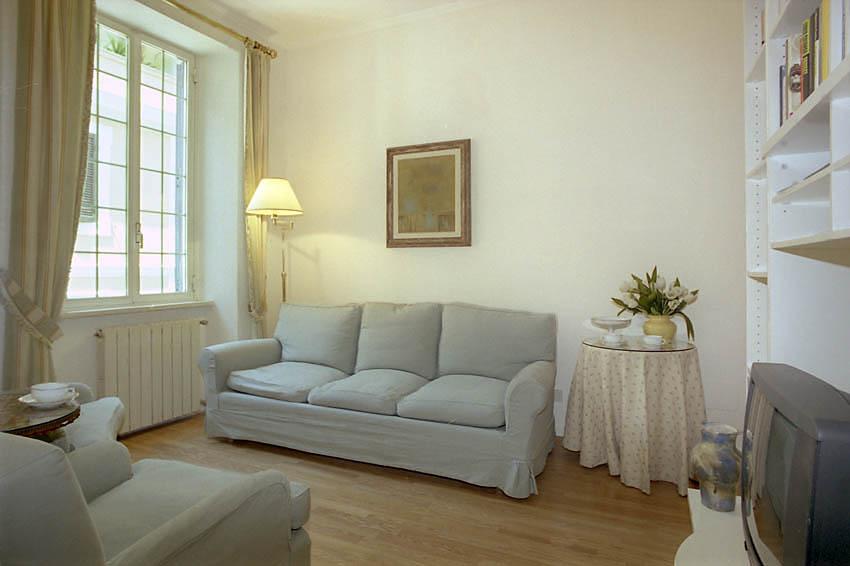 Antonio Apartment, Rome, Italy, discount travel in Rome