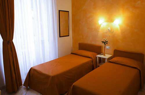B and B Lanterna Fiorentina, Florence, Italy, read reviews from customers who stayed at your hotel in Florence