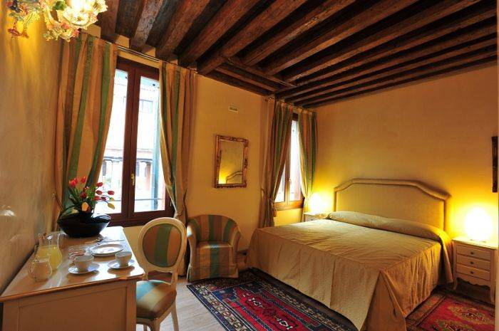 BB Alla Vigna, Venice, Italy, here to help you meet the world in Venice