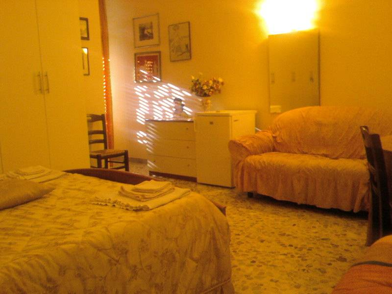 Bed and Breakfast F.G., Bari, Italy, travel and hostel recommendations in Bari